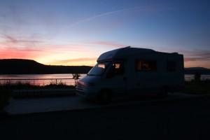 Halte de nuit au lac Domodéo