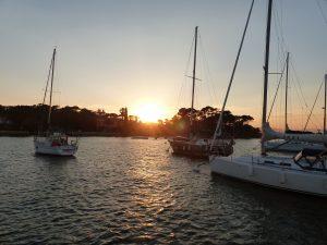 Coucher de soleil sur les îles d'or...